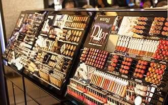 קוסמטיקה בלונדון - Cosmetics in London