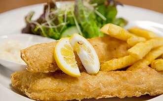 פיש אנד צ'יפס בלונדון - fish & chips