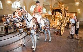 האורוות המלכותיות - Royal Mews